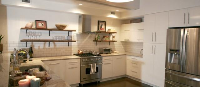 CHIC Urban Industrial Kitchen in Open Concept Riverfront Loft