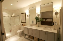 STATELY Master Bath in Contemporary Riverfront Loft